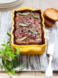 poivre, armagnac, oeuf, pain, farine, porc, chevreuil, sel, laurier