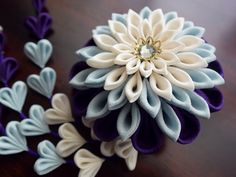 Quilling Flowers, Kanzashi Flowers, Baby Crafts, Cute Crafts, Wonderful Flowers, Ribbon Art, Ribbon Embroidery, Flower Crafts, Baby Headbands