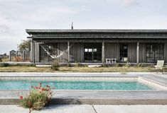 12 Modern Pools That Make a Big Splash - Design Milk Tin House, House Deck, Compound House, Bungalow, Panama, Courtyard Pool, Retreat House, Outdoor Bathrooms, Modern Pools