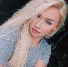 grafika omalia, molly, and molly o'malia Blonde Beauty, Blonde Hair, Hair Beauty, Blonde Girl Selfie, Pretty Selfies, Alena Shishkova, Tumbrl Girls, Girls Selfies, Platinum Blonde