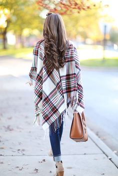 Plaid and fringe is a dreamy combo! Perfect for transitioning into the fall!