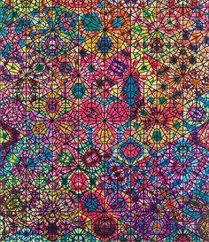 """""""#PhilipTaaffe #Painting #TieDye"""" Simetria, una vela forma de un orden caóticos de colores"""
