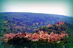Sighisoara, Romania (by MarculescuEugenIancu Romanian People, Transylvania Romania, Cityscape Photography, Eastern Europe, Countryside, Places To Go, Beautiful Places, Scenery, Around The Worlds