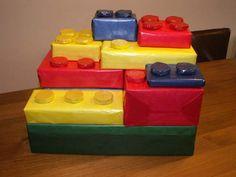 Te gek deze Lego surprise! Daar kunnen alle cadeaus voor iedereen in!