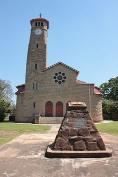 The Dutch Reform Church is found at 103 Murchinson Street, Ladysmith, KwaZulu-Natal, South Africa. It is declared a heritage site. Old Time Religion, Kwazulu Natal, Old Churches, Church Building, Beaches In The World, Brick And Stone, Most Beautiful Beaches, Chapelle, Place Of Worship
