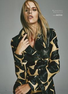 "Burberry Prorsum (""Prefall"" : Sumarie (Select London) : Harper's Bazaar Turkey August 2013 : Ergin Turunc)"
