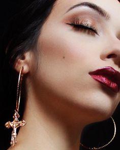 FAWNSTAR Gold Hoop Earrings // www.samfazz.com