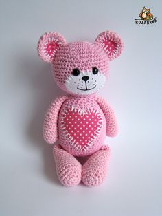 Amigurumi pink teddy with fabric polka dot love heart motif. (Pattern available to purchase but not English). Crochet Amigurumi, Crochet Teddy, Crochet Cross, Crochet Bear, Amigurumi Doll, Crochet Dolls, Cute Crochet, Crochet Toys Patterns, Amigurumi Patterns