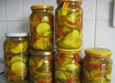 Swietny dodatek do obiadu, na impreze do wodeczki ;) itd Składniki: cukinia, cukier, ocet, papryka czerwona, cebula, kurkuma, gorczyca, czosnek Antipasto, Gnocchi, Pickles, Cucumber, Salads, Stuffed Peppers, Canning, Vegetables, Recipes