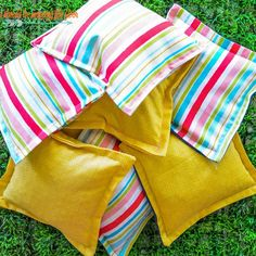 How to Make Cornhole Bags DIY Regulation Cornhole Bags Diy Cornhole Bags, Make Cornhole Boards, Cornhole Set, Corn Hole Game Diy, Diy Bags Game, Corn Hole Bean Bags, Bean Bag Pattern, How To Make Beans, Regulation Cornhole Bags