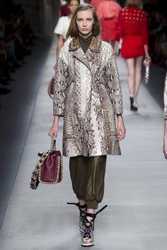 Fendi Spring 2016 Ready-to-Wear Fashion Show - Ala Sekula