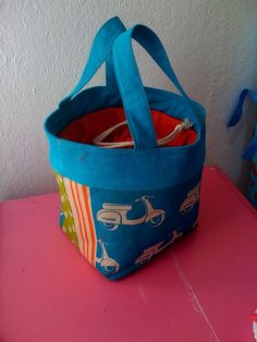 loadss of bag making tutorials in one place. Refer this when u get an urge to sew a bag