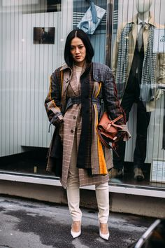 Paris Fashion Week Street Style Fall 2018 Day 7 Cont. - The Impression #parisfashion