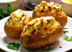 Twice Baked Breakfast Potatoes are a great way to use up leftover baked potatoes! The perfect addition to any brunch. Brunch Recipes, My Recipes, Appetizer Recipes, Cooking Recipes, Favorite Recipes, Breakfast Potatoes, Breakfast Bake, Leftover Baked Potatoes, Focaccia Bread Recipe