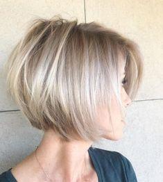 Short Bob Haircuts, Hairstyles Haircuts, Short Bob Cuts, Modern Haircuts, Bob Hairstyles For Fine Hair Choppy, Medium To Short Hairstyles, Short Blunt Haircut, Short Textured Bob, Short Stacked Bob Haircuts