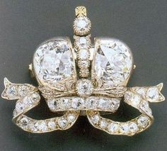 This diamond brooch was presented to Ella in 1896, in the day of Nikolay II and her sister Alix's coronation. This jewel was one of six brooches performed by Faberge by the order of Nikolay II to be given to Grand Duchesses. Nikolay II's mother and wife got the same brooches though the sizes of their brooches were bigger. The price of such a brooch was much higher then the price of the famous Faberge eggs. Today this brooch is in the private collection.