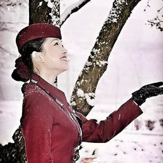 From @crew.room Picture from our fan @coreen_chng  First show in Chicago  Trying to take more snowy pic before the #winter say goodbyeFollow me @coreen_chng Travel with me Around the World join my Flying Adventure life  repost #usa #chicago #qatarairways #cabincrew #cabincrewlife #snowing #crewlife#qr #aircrew #flightattendant_ #goingplacestogether @cabin_crews @crew___life @qatarairways #qrcrew @qatar.cabin.crew @charmingcrew @cumajungistewardesa #asianflightattendent @angelsairways…