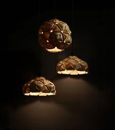 [Penta Lamp] Anon Pairot Design Studio presents 'Penta' - a modular pendant lamp made of 100% recyclable cassava - during London Design Festival (LDF) 2015. http://www.laurasantagati.it
