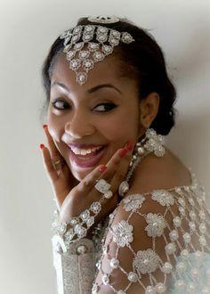 #Peopleofnigeria | Itsekiri Bride | Source: costumeplanet.blogspot.co.uk Nigerian Culture, South African Fashion, Bride Hairstyles, Traditional Wedding, True Beauty, Wedding Dresses, Hair Styles, African Weddings, Black Beauty