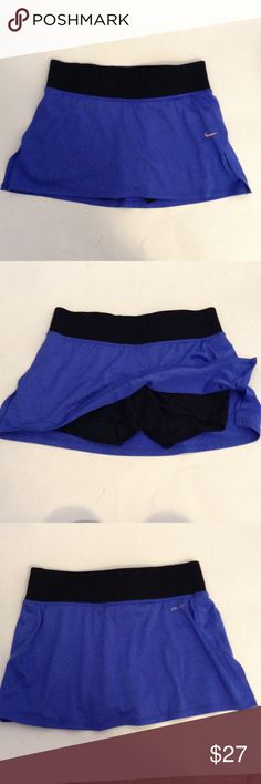 """NIKE Dri-fit Running Workout Blue Skirt Skort XS Great skirt only worn a few times it looks brand new. No visible flaws or signs of wear. Key Pocket. Waist is stretchy measures around 26"""" Nike Shorts Skorts"""