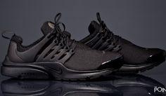 Zapatillas Nike Air Presto Total Black, contamos con la nueva entrega del modelo de zapatillas #NikeAirPresto para esta colección #PrimaveraVerano2016 , esta vez #Nike la presenta en un bonito colorway #TotalBlack, visita nuestra #tiendaonline de #sneakers #ThePoint y hazte con ellas, http://www.thepoint.es/es/zapatillas-nike/1448-zapatillas-hombre-nike-air-presto-total-black.html