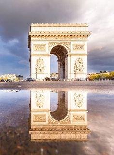 Arc de Triomphe, Paris, France http://tracking.publicidees.com/clic.php?progid=2184&partid=48172&dpl=http%3A%2F%2Fwww.promovacances.com%2Fvacances-sejour-hotel%2Fvoyage-reunion%2F