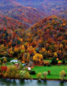 The amazing Autumn colors in Bluestone state park West Virginia