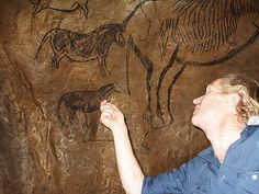 The Palaeolithic Cave Paintings of the Niaux Cave in France Cave Paintings France, Art Paintings, Statues, Prehistoric Man, Cave Drawings, Artwork Display, Ancient Art, Rock Art, Archaeology