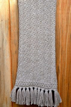 Free Pattern: Red Herring Scarf by Yvonne Kao (Need to make an acct to view)
