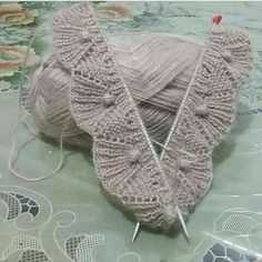 A 37 page PDF bundle of lace knit stitch patterns. Super Bulky yarn makes them super quick! Beginners to Advanced Beginners. Videos are available to help. Crochet Edging Patterns, Lace Knitting Patterns, Knitting Stiches, Easy Knitting, Crochet Motif, Knitting Designs, Crochet Stitches, Knit Crochet, Stitch Patterns