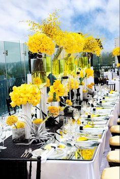 Deco mariage noir , deco mariage jaune et noir , decoration jaune pour mariage