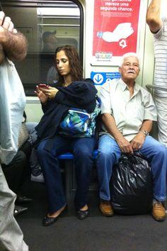 Camila Pitanga no Metrô