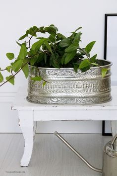 flower pot floral metal silver 31 x 25 cm silver pinterest dekoration sommerdeko und blumen. Black Bedroom Furniture Sets. Home Design Ideas