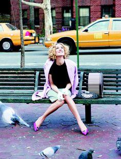 Sarah Jessica Parker: Carrie Bradshaw - Sex and the City Estilo Carrie Bradshaw, Carrie And Big, Sarah Jessica Parker, Kristin Davis, City Style, Paris, Manolo Blahnik, Film, Cosmopolitan