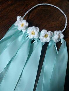 DIY Crochet flowers and ribbons bridal veil