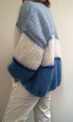 Knitwitz Quick Jumbo Knit Poncho Knitting Pattern//Instructions to knit