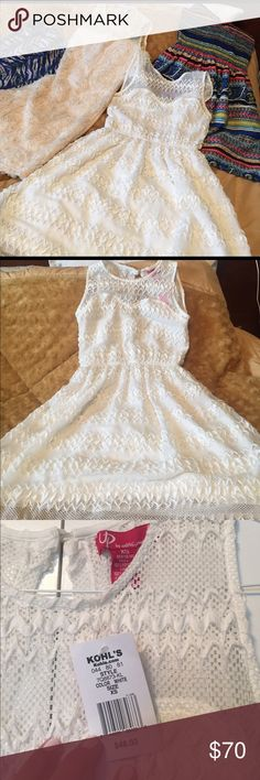 Bundle 4 dresses new with tags or new no tags Brand new dresses. All size Small and XS that firs S. Dresses
