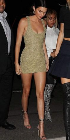 Take a look at the Kendall Jenner form file, the most beneficial looks worn by o. - SchönheitTake a look at the Kendall Jenner form file, the most beneficial looks worn by o. Maquillage Kendall Jenner, Kendall Jenner Makeup, Kendall Jenner Outfits, Kendall And Kylie Jenner, Kendall Jenner Instagram, Celebrity Outfits, Sexy Outfits, Sexy Dresses, Le Style Du Jenner