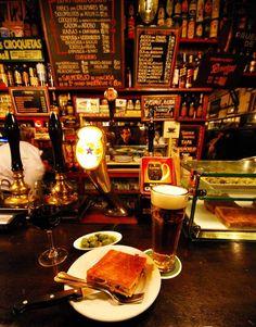 La Ardosa, bar à tapas, Madrid (Espagne)