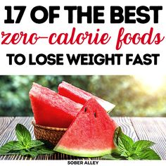These nearly zero calorie foods are exactly what you need to shed some serious weight without having to starve yourself skinny. Tasty, yet healthy! Diet Plans To Lose Weight, How To Lose Weight Fast, Weight Loss For Women, Weight Loss Tips, Body Type Workout, Zero Calorie Foods, Weights For Beginners, Diet And Nutrition, Diet Tips