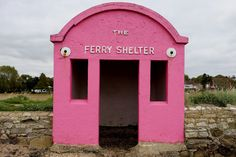 Hamble-Warsash ferry shelter in Hampshire, UK 29 real-life locations that belong in a Wes Anderson film - Vogue Australia Wes Anderson Style, Wes Anderson Movies, Gran Hotel Budapest, Grand Budapest, Accidental Wes Anderson, Retro Candy, Moonrise Kingdom, Pretty In Pink, Real Life