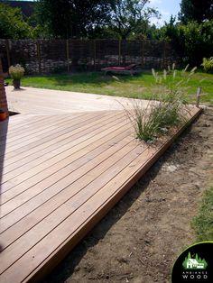 Terrasse Ipe de 70m² – Ambiance Wood Decking, Wood, Outdoor Decor, Gardens, Terraces, Garden Deco, Diy Ideas For Home, External Staircase