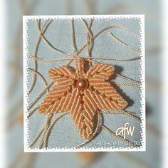 maple leaf macrame, pendant