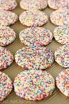 Best Anytime sugar cookie recipe 12 servings only on this page - Dessert-recipes. Cake Mix Cookies, Yummy Cookies, Cookies Et Biscuits, Cupcakes, Funfetti Cookies, Sprinkle Cookies, Cream Cookies, Sandwich Cookies, Köstliche Desserts