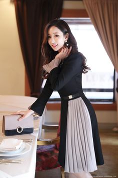 Romantic & Trendy Looks, Styleonme Suit Fashion, Modest Fashion, Fashion Dresses, Classy Work Outfits, Stylish Outfits, Interview Dress, Iranian Women Fashion, Korean Dress, Western Dresses