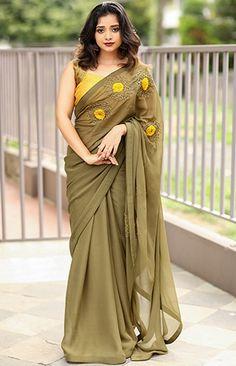 New Designer Saree Cotton Saree Blouse Designs, Half Saree Designs, Saree Blouse Patterns, Fancy Blouse Designs, Trendy Sarees, Stylish Sarees, Fancy Sarees, Simple Sarees, Saree Designs Party Wear