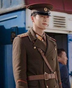 Hyun bin in his north korean soldier attire looking sharp like a needle& point. Hyun Bin, Hot Korean Guys, Korean Men, Zheng He, Shu Qi, Handsome Korean Actors, Jung Hyun, Kdrama Actors, Drama Korea