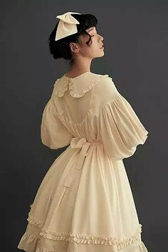 Simple cream chiffon Lolita dress with poet sleeves and Peter Pan collar