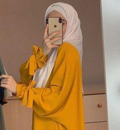Hijab Fashion Summer, Muslim Fashion, Modest Fashion, Fashion Outfits, Casual Hijab Outfit, Casual Outfits, Islamic Girl, Portrait Photography Poses, Abayas