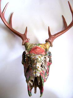 Floral and Wings Deer Skull Wall Decor by DreamsInTexas on Etsy Deer Skull Art, Cow Skull Decor, Painted Deer Skulls, Antler Crafts, Antler Art, Deer Antlers, Deer Heads, Skull Painting, Animal Skulls